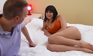 Brunette bimbo Violet Starr nailed by her friend's sky pilot