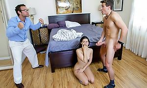 Lovely Colombian cosset having sneaky intercourse apropos her stepbro